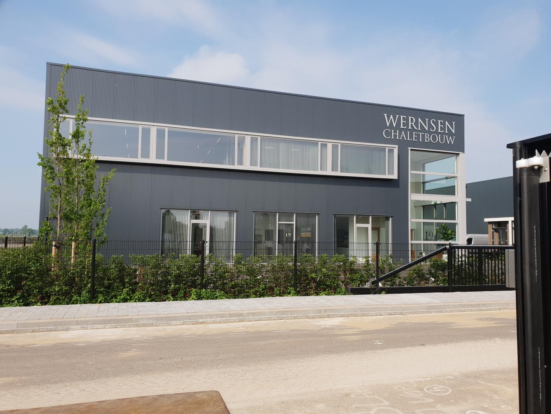 bedrijfspand en kantoor Wernsen Chaletbouw