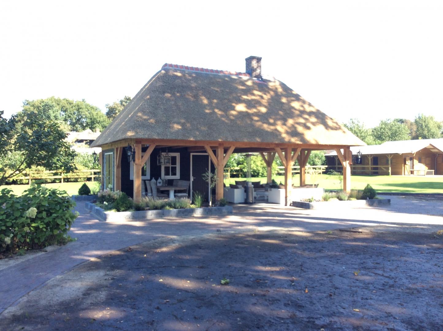Bouw schuur met veranda te Ermelo