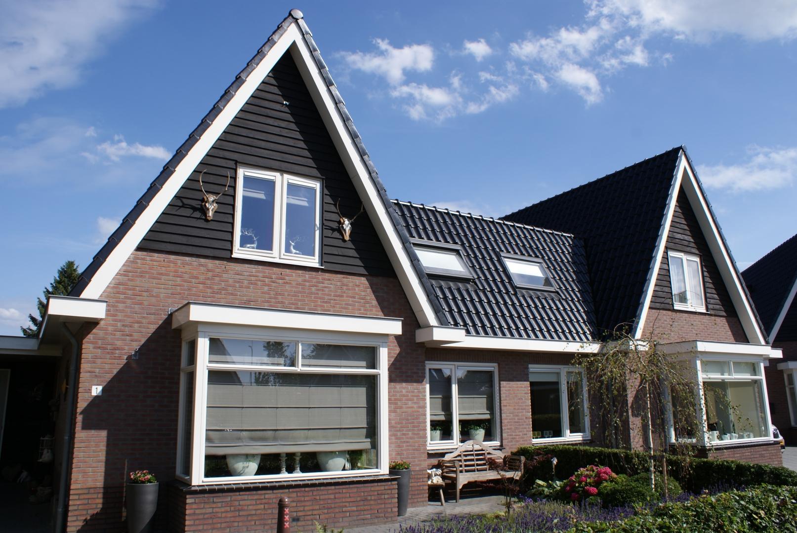 Bouw van twee geschakelde woningen aan Pieter Vijgehof in Putten