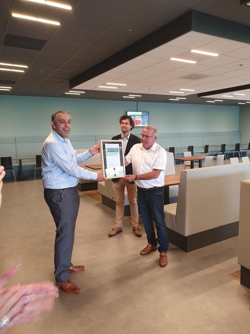 Van Panhuis Bouw feliciteert Hazeleger-kaas en VAGO Barneveld met het behalen van het Breeam certificaat.