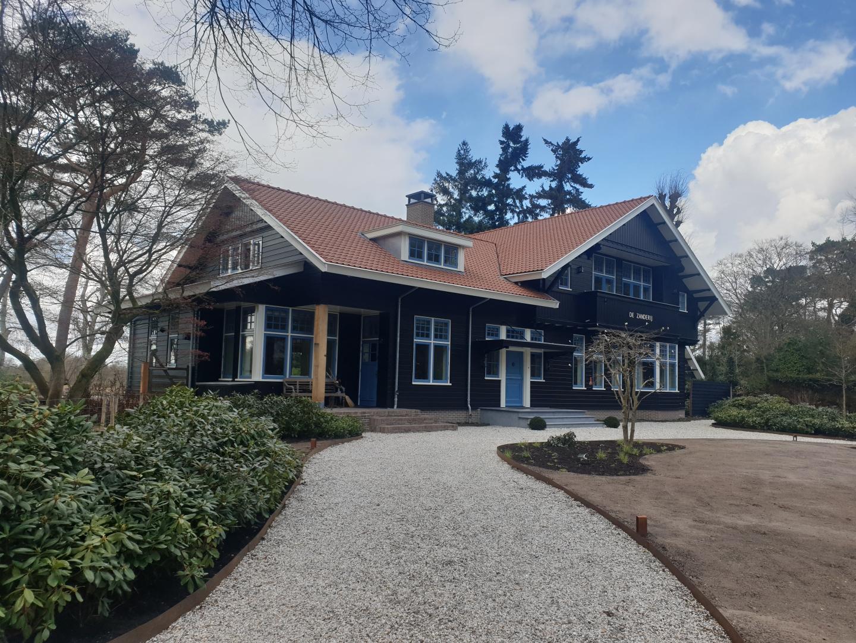 Nieuwbouw authentieke en nostalgische villa.