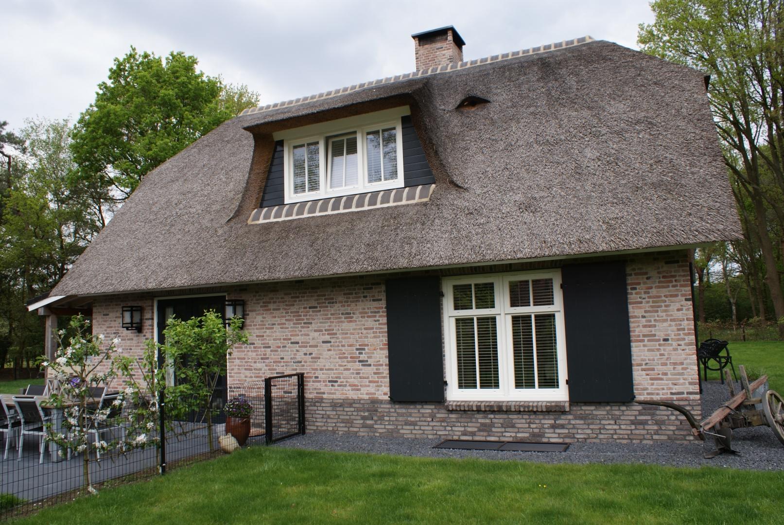 Nieuwbouw vrijstaand landhuis op hoek Volenbeekweg en Oude Telgterweg
