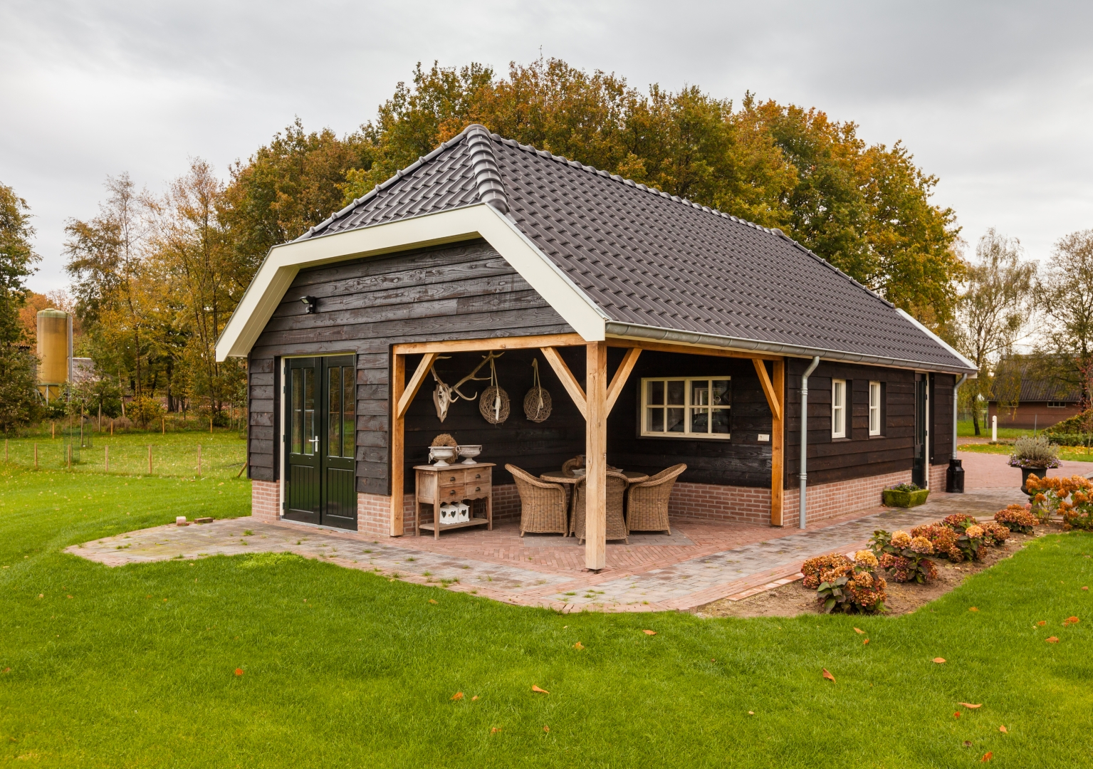 Nieuwbouw woonhuis met garage aan het Rode Schuurderwegje in Ermelo