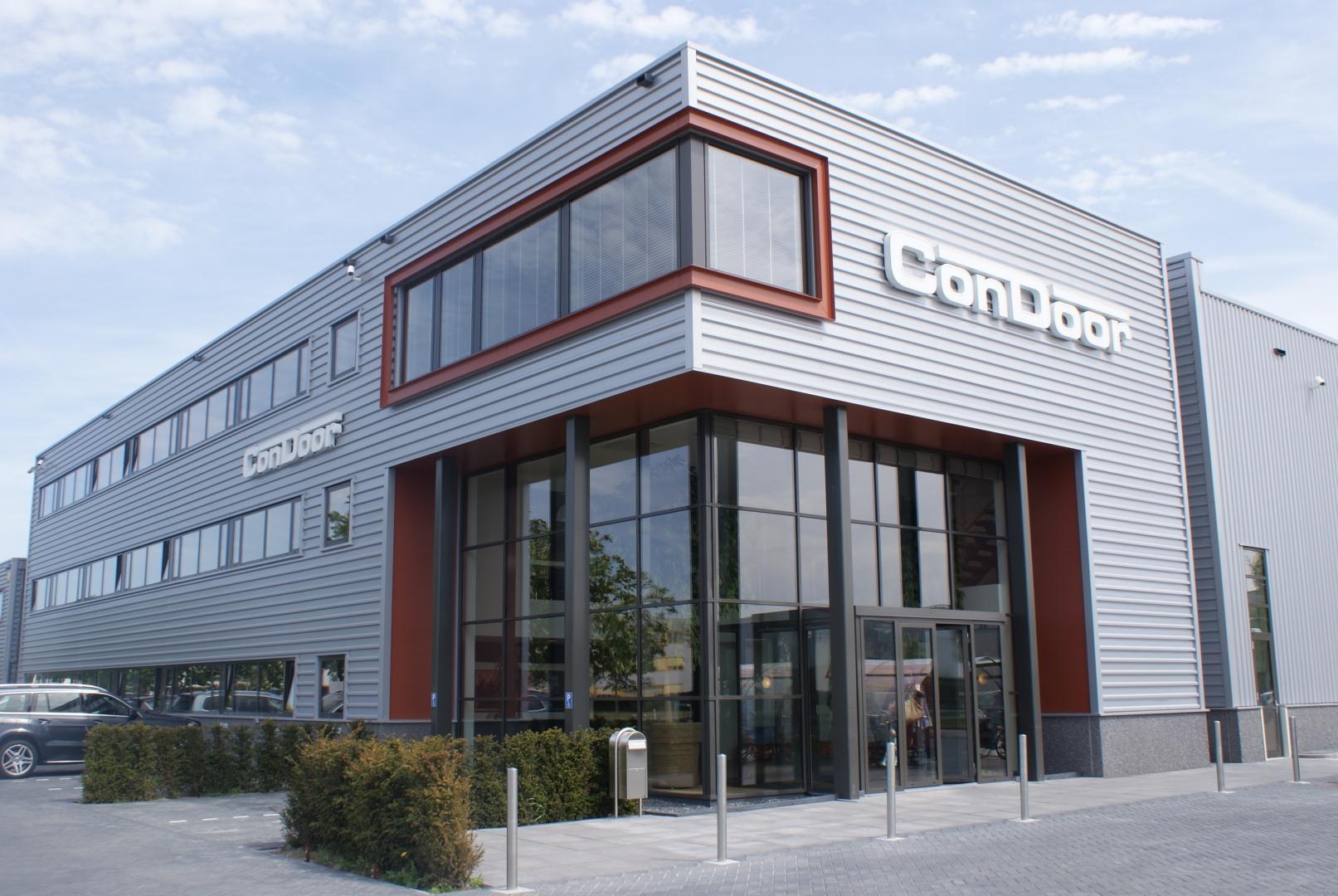Uitbreiding bedrijfshal voor ConDoor Group in Zeewolde